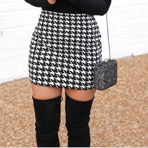 The Limited Houndstooth Mini skirt